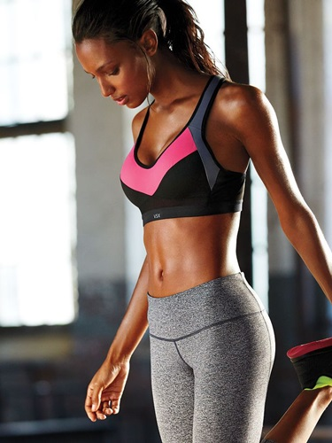 Crédit photo : Jasmine Tookes pour Victoria's Secret Sport